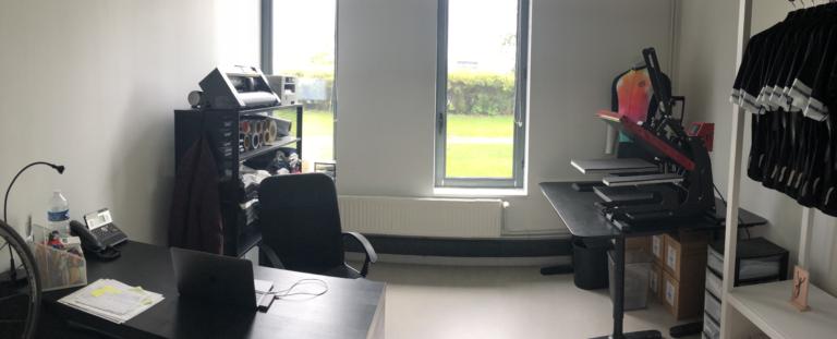 16m2 de création, c'est un peu cela notre bureau.